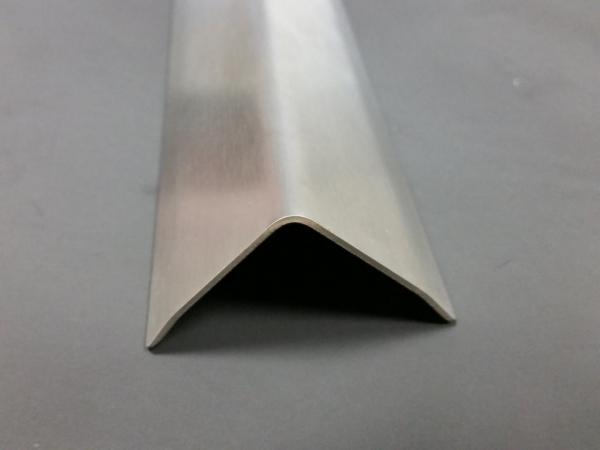 Eckschutzschiene 1250x40/40 dreifach gekantet