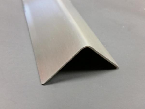 Edelstahl Eckschutzschiene 1000x40/40 einfach gekantet